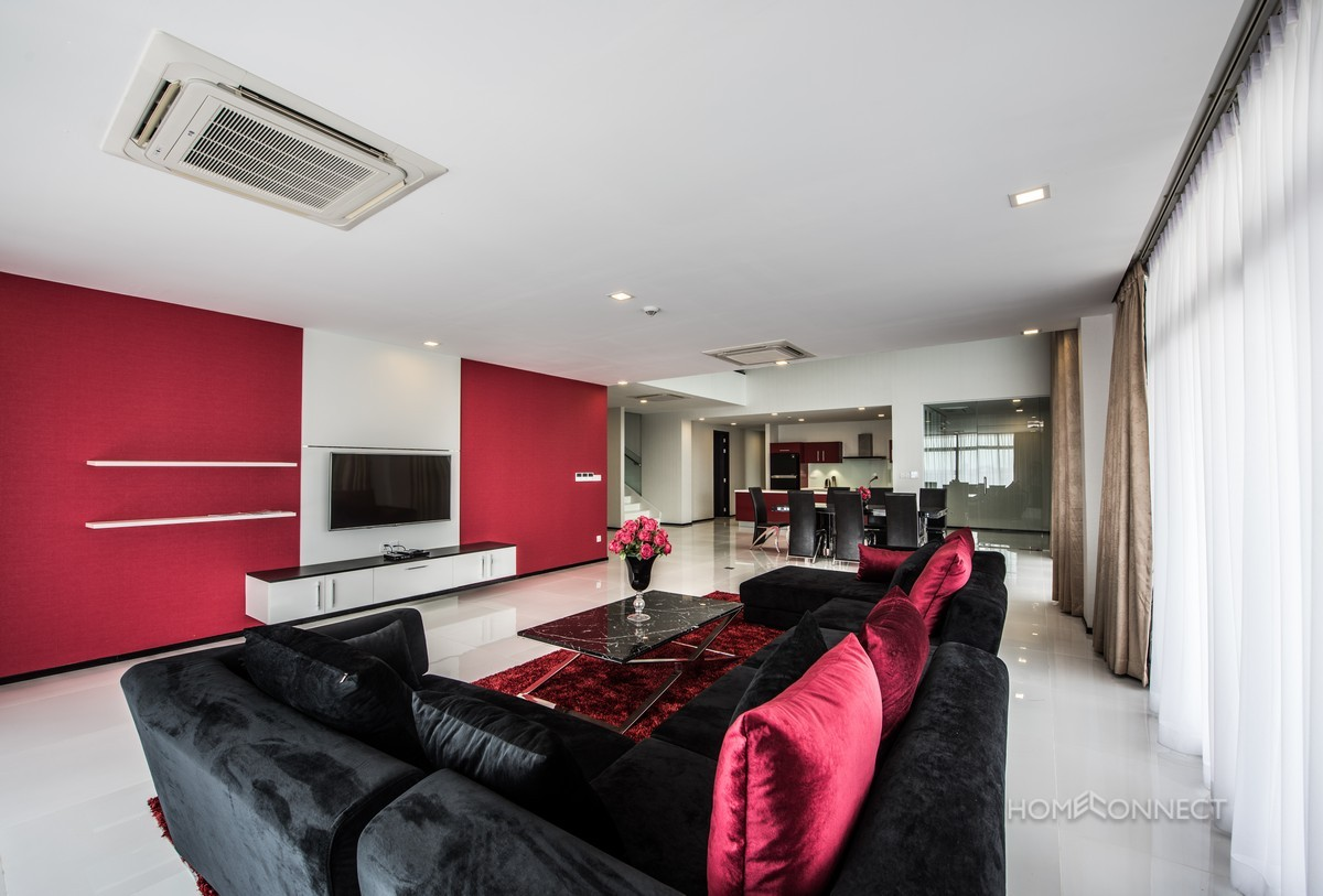 Luxury 4 bedroom duplex in Daun Penh