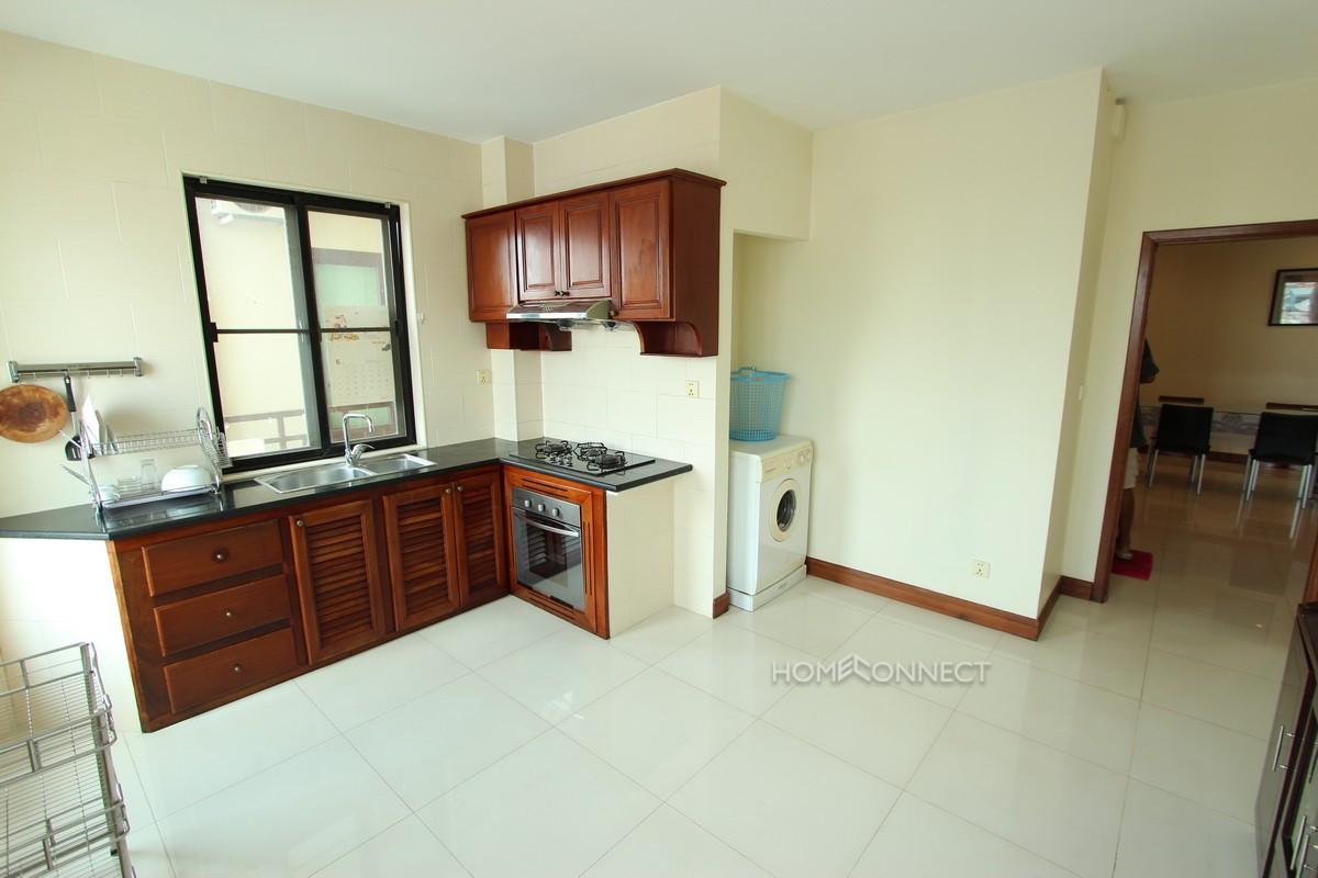 Large 2 Bedroom Apartment in 7 Makara