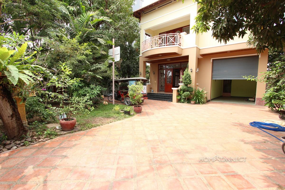 Leafy 4 Bedroom Villa in Tonle Bassac   Phnom Penh