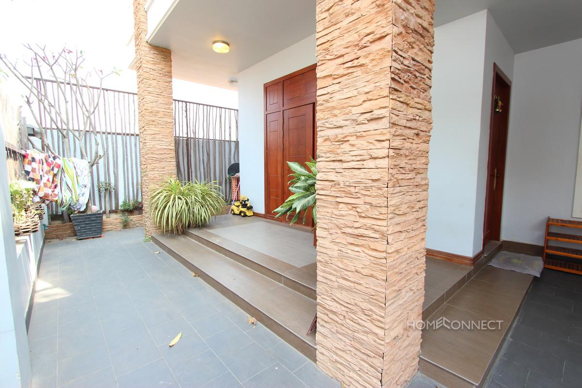 vModern 6 Bedroom Villa For Rent Near Aeon Mall | Phnom Penh