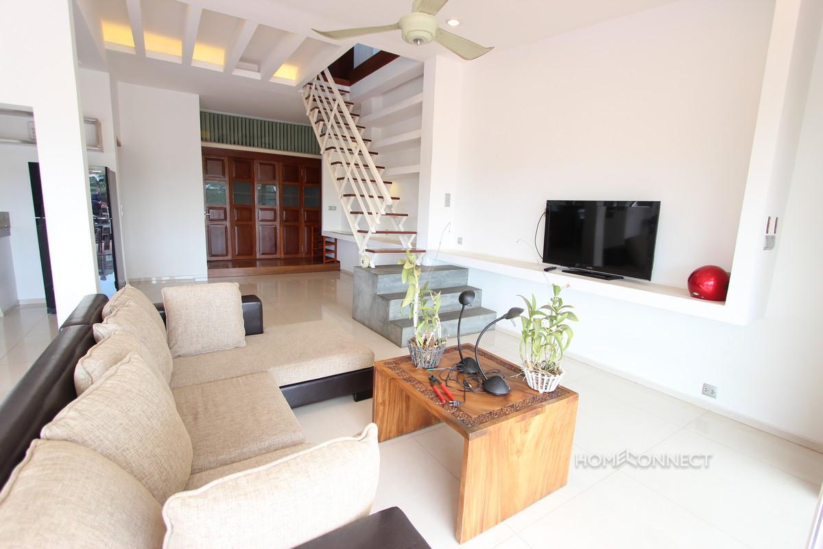Large Terrace Colonial Apartment Near Riverside   Phnom Penh