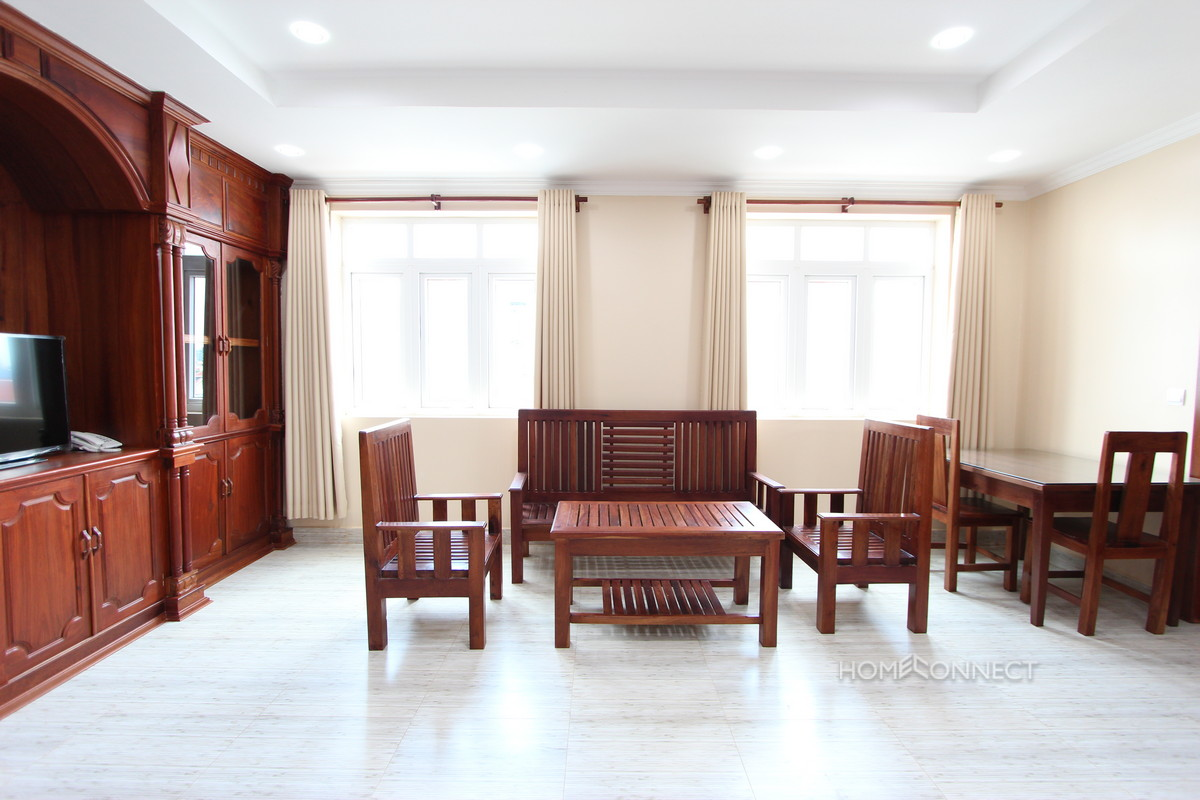 Serviced 2 Bedroom Apartment in Toul Tom Poung   Phnom Penh