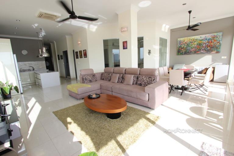 Luxury 2 Bedroom Apartment on Riverside | Phnom Penh