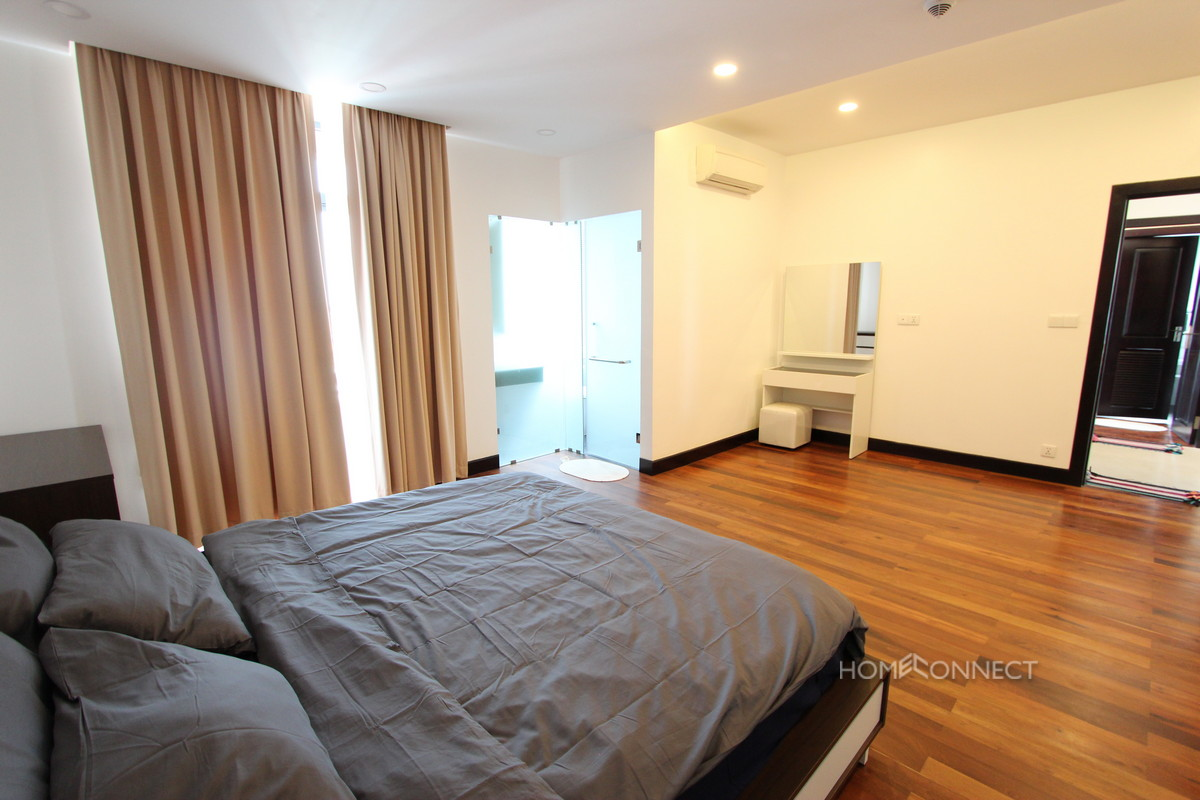 Lovely 2 Bedroom Apartment in Wat Phnom | Phnom Penh Real Estate