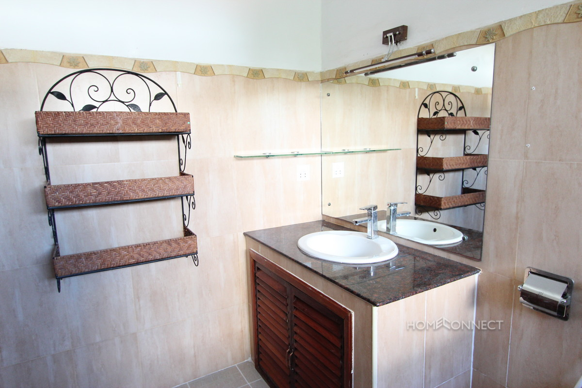 Quiet and Secure Townhouse in Tonle Bassac   Phnom Penh Real Estate
