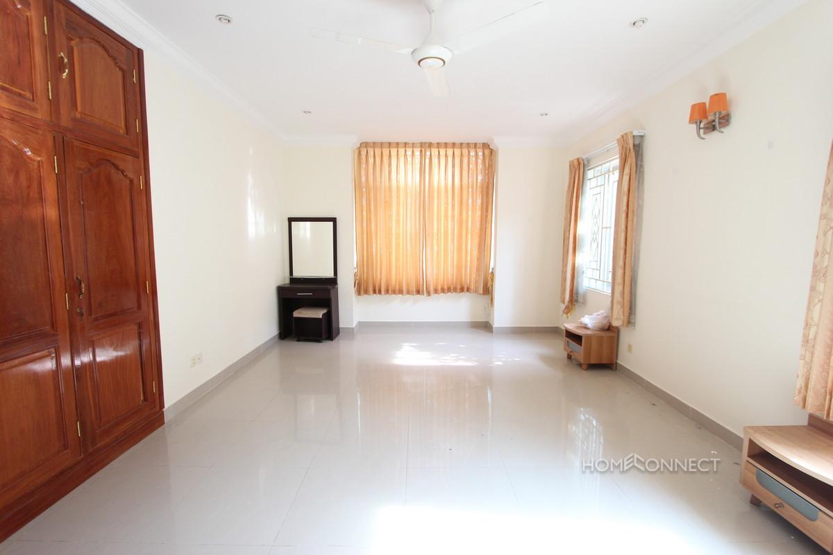Secure 4 Bedroom Family Villa in Tonle Bassac | Phnom Penh Real Estate
