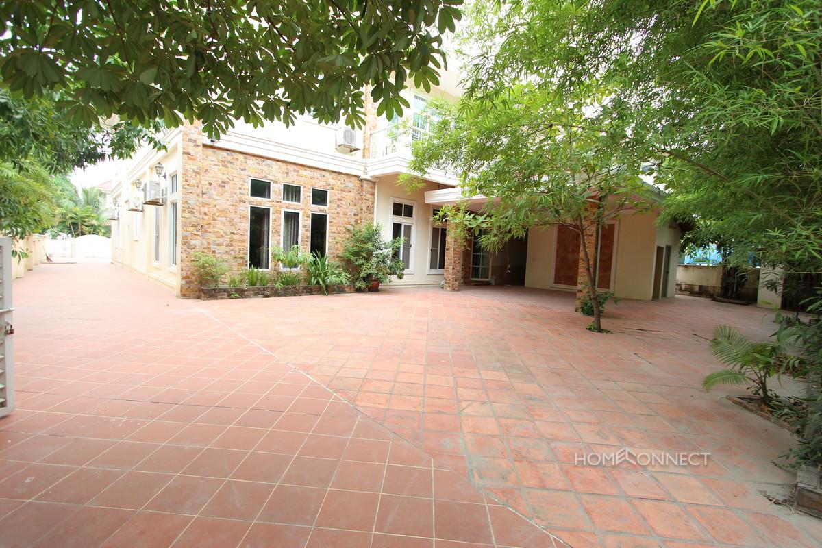 Secure Family Villa Located Near the Northbridge School | Phnom Penh Real Estate