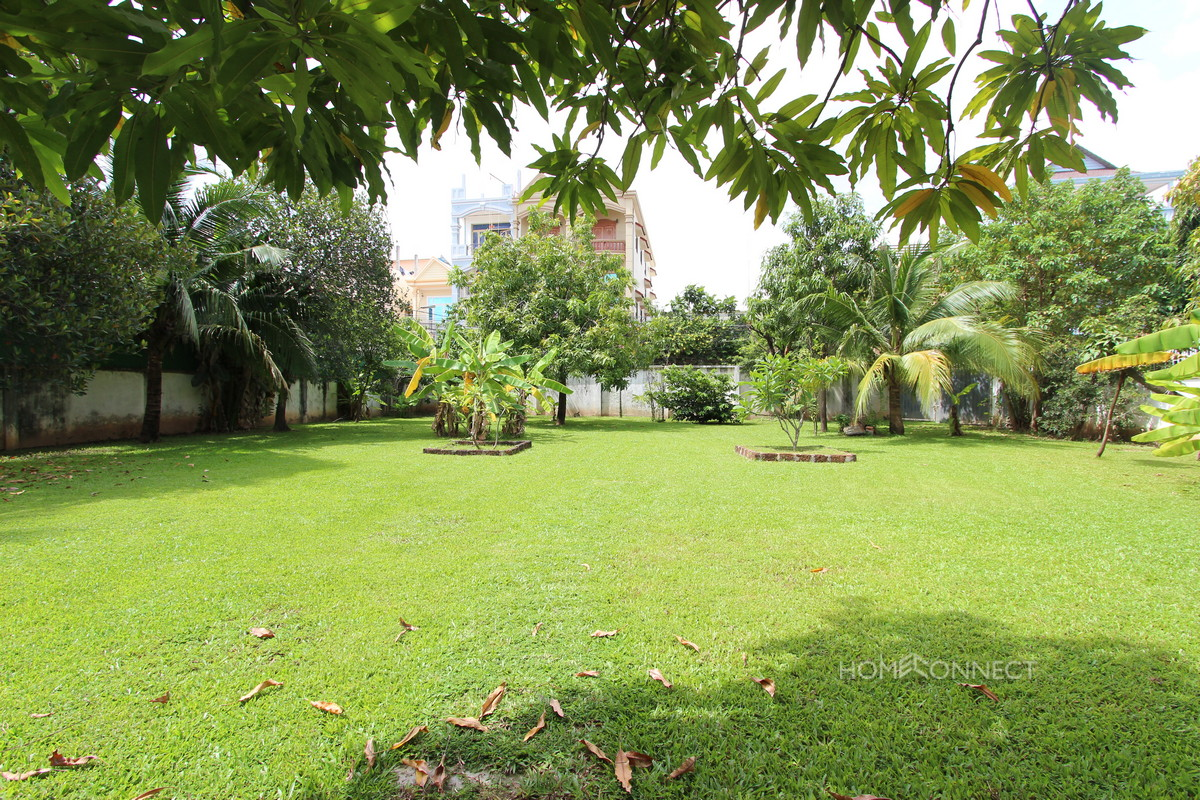 Large Private Garden 6 Bedroom Villa For Rent Near Russian Market| Phnom Penh Real Estate