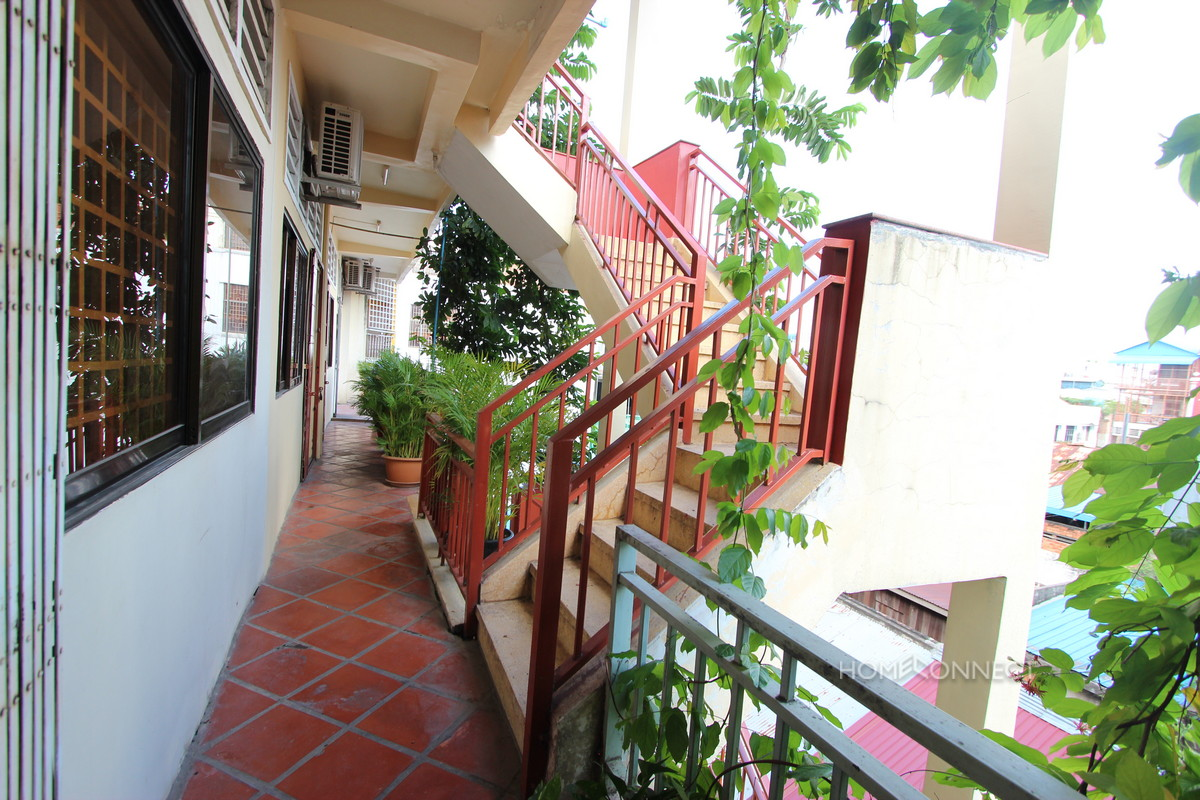 Cozy 1 Bedroom 1 Bathroom Apartment For Rent Near Riverside Phnom Penh Apartments Villas