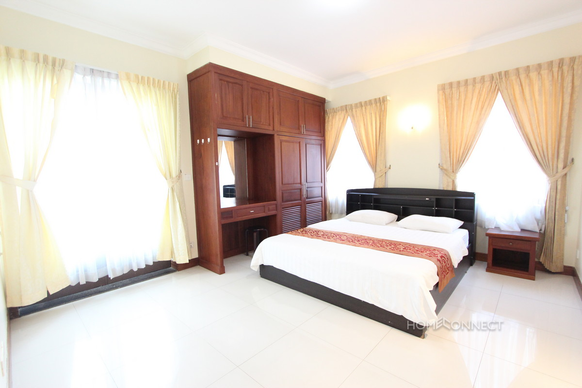Luxurious Serviced 1 Bedroom 1 Bathroom Apartment for Rent in 7 Makara | Phnom Penh Real Estate