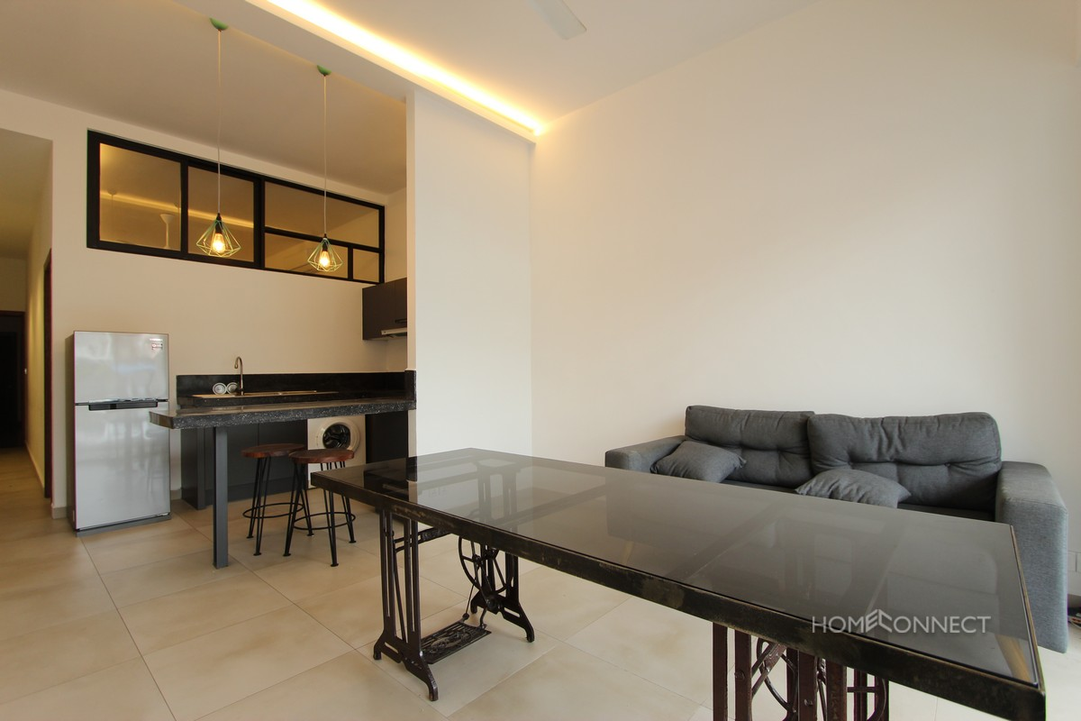 Big Balcony 1 Bedroom Apartment Near the National Museum | Phnom Penh Real Estate