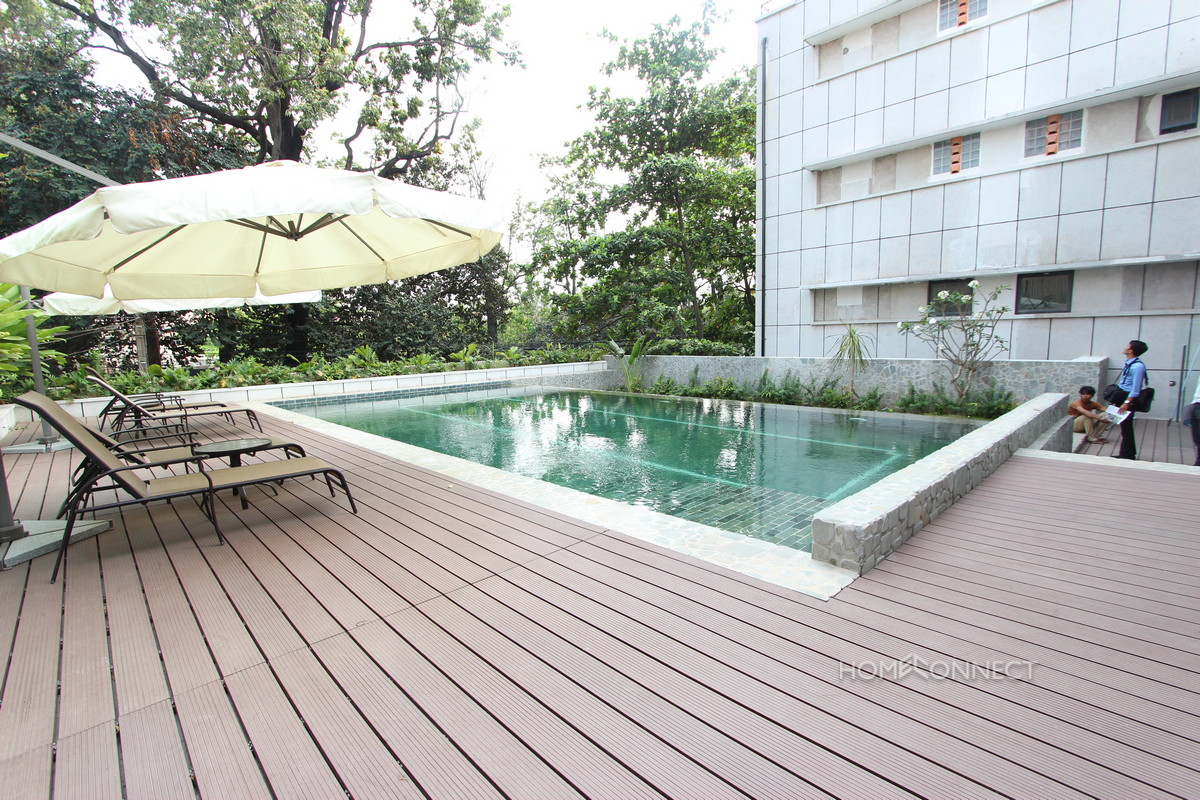 Newly Renovated 2 Bedroom Apartment in Wat Phnom | Phnom Penh Real Estate