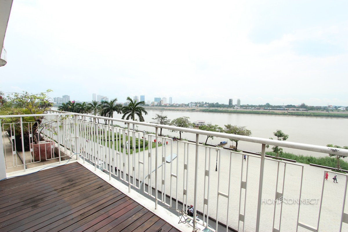 Beautiful 6 Bedroom Apartment on Riverside | Phnom Penh Real Estate